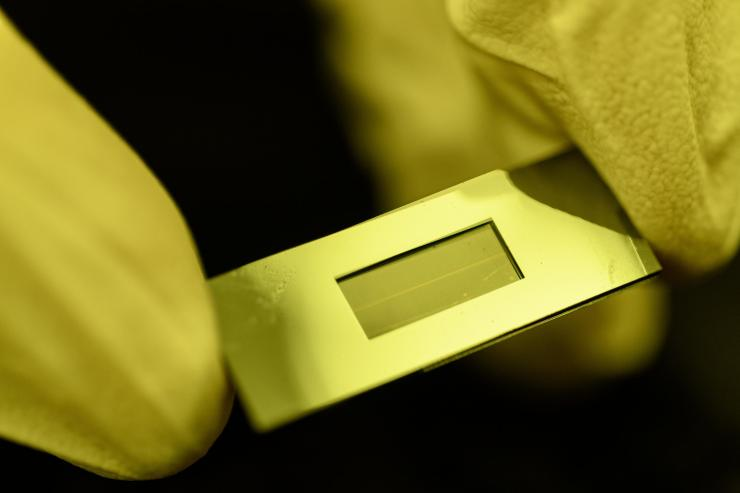 Microfluidic Molecular Exchanger Helps Control Therapeutic Cell Manufacturing